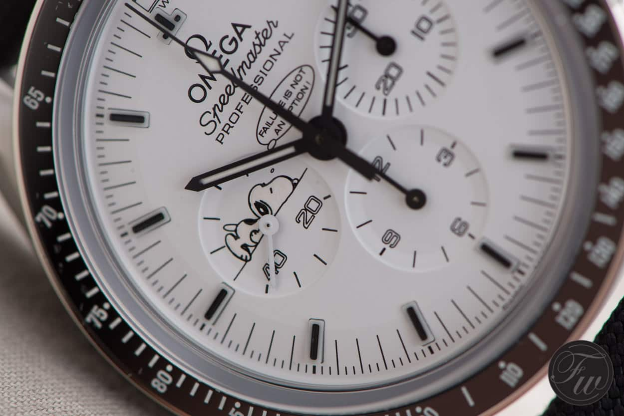 Hands on omega speedmaster professional silver snoopy award for Snoopy watches