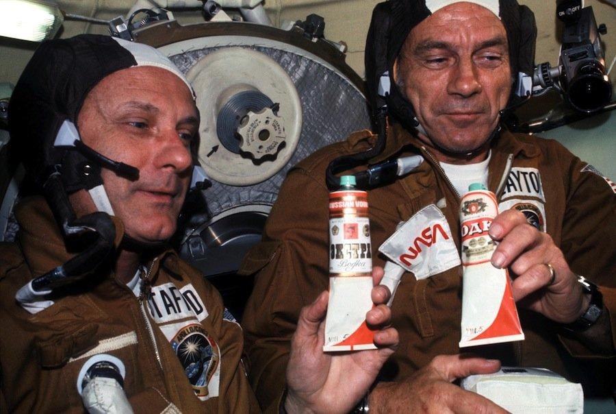 NASA_astronauts_toasting