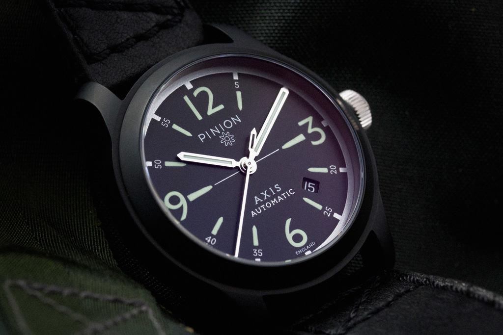 pinion-axis-black-012