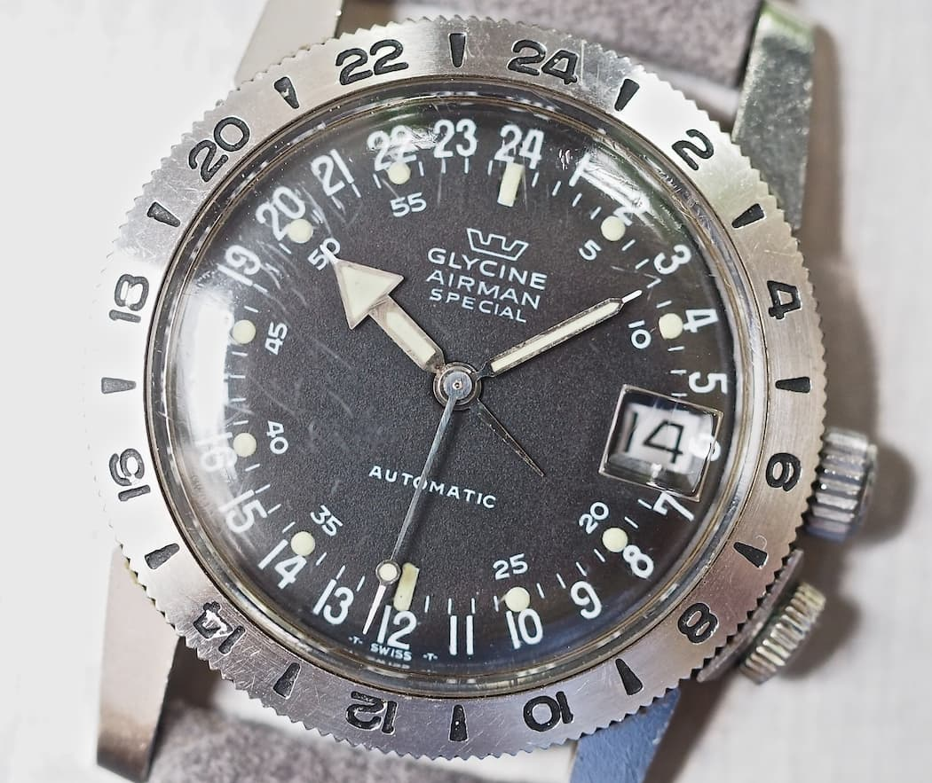 "The Glycine Airman dial is busy yet simple - and the ""tail"" on the hour hand make 12-hour time format reading a breeze"