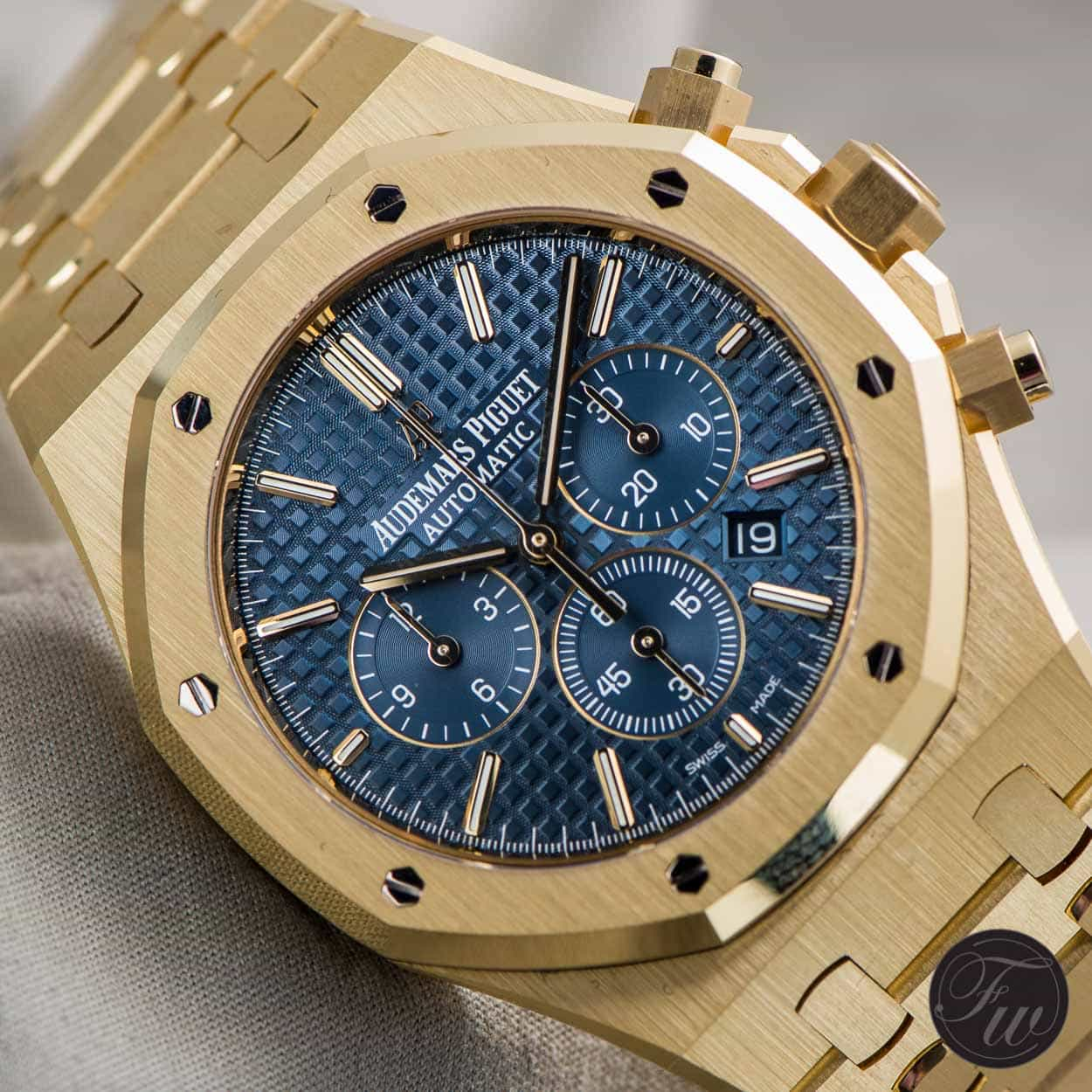 Hands On With The Audemars Piguet Royal Oak Gold Collection