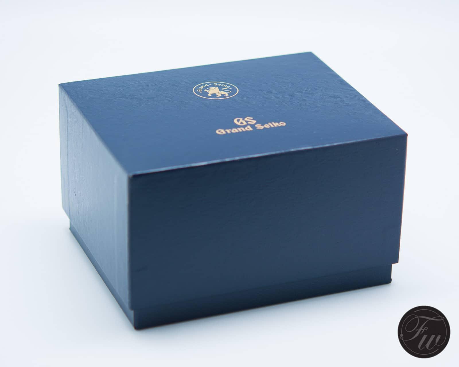 Grand Seiko SBGM021 box