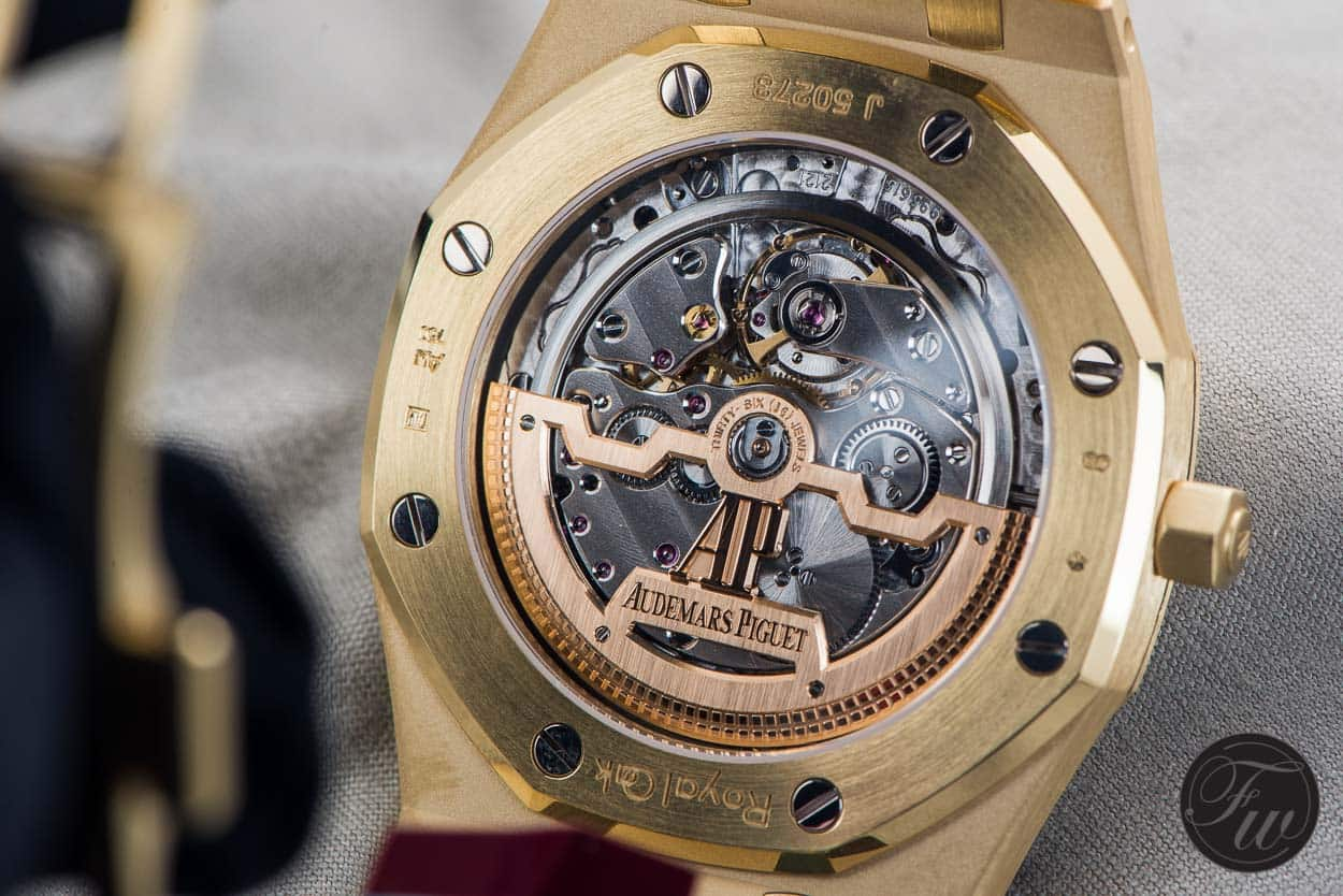 Calibre 2121 Audemars Piguet Royal Oak Extra-Thin in yellow gold