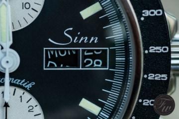 YAU chronograph date change