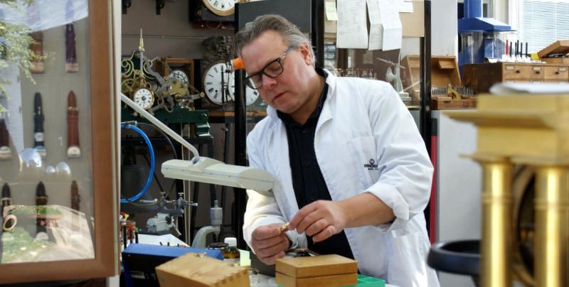 Jan Ubels in his atelier
