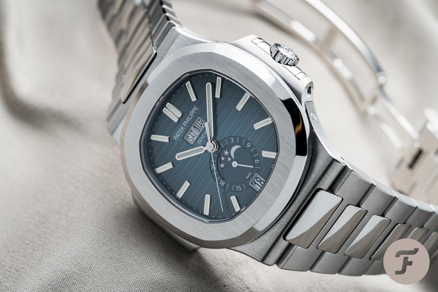 Hands On The Patek Philippe Nautilus 5726 1a