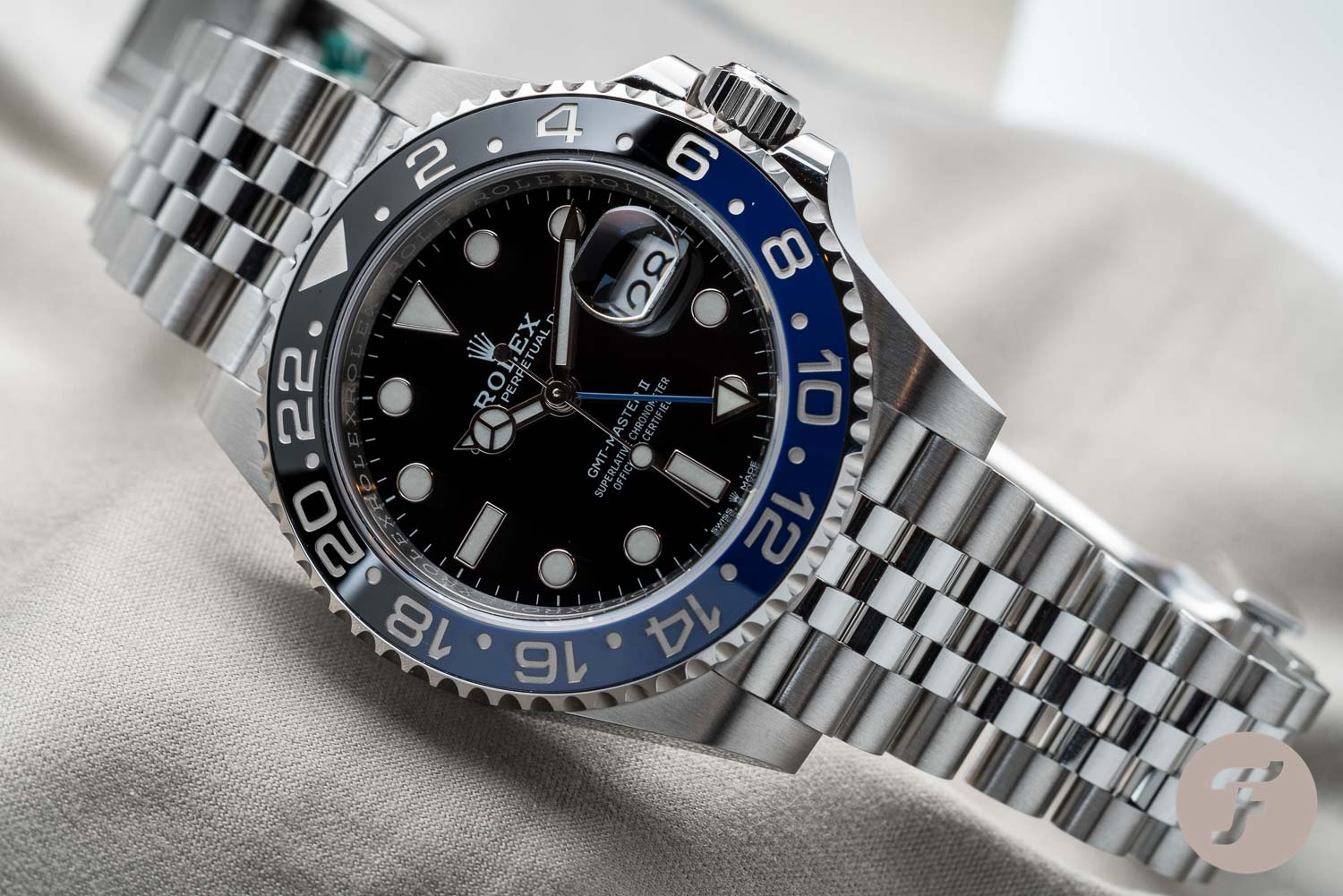 Hands On With The New Rolex Gmt Master Ii Batman On Jubilee