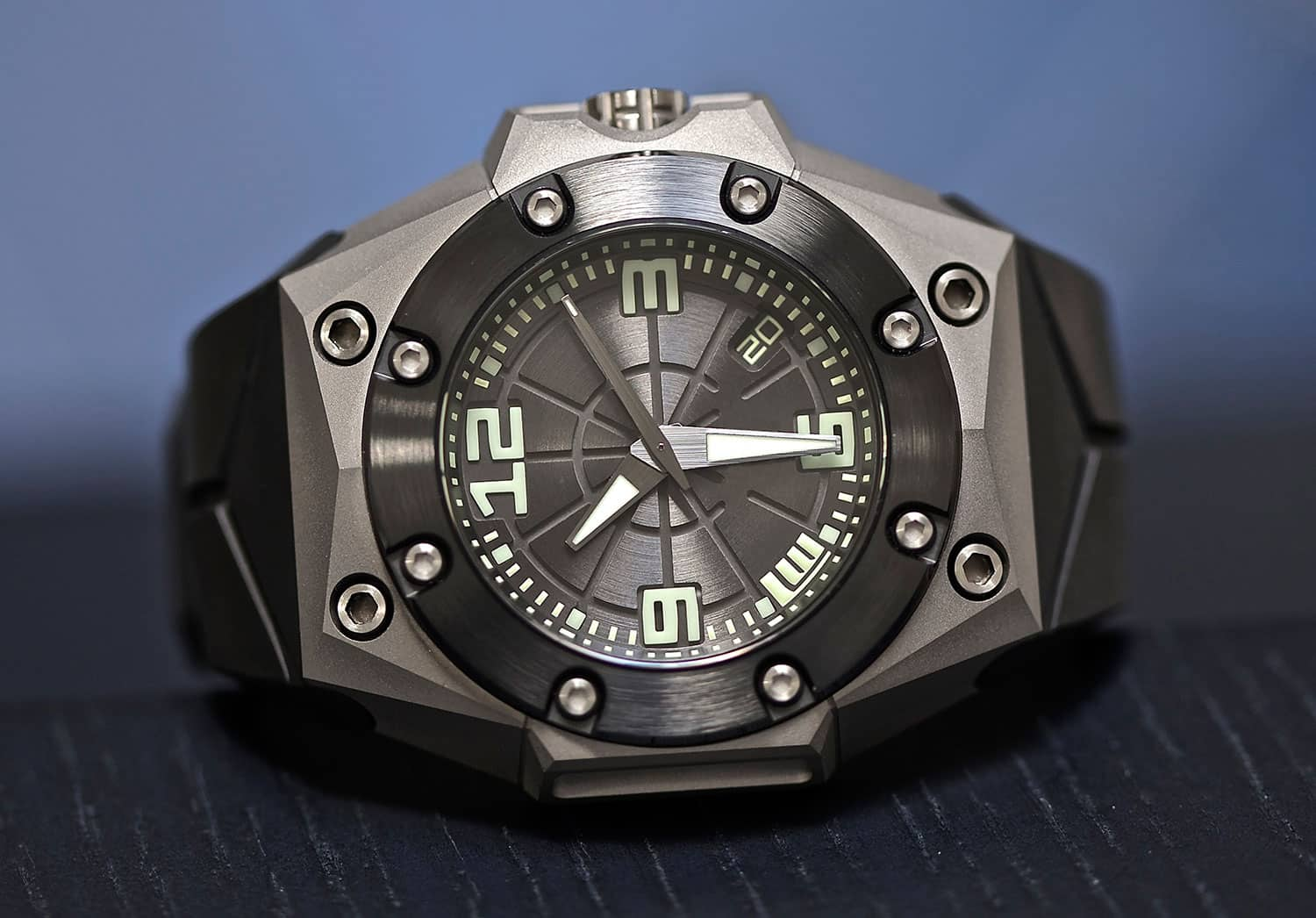 LW-Oktopus-Frogman-Watch-Official-Image