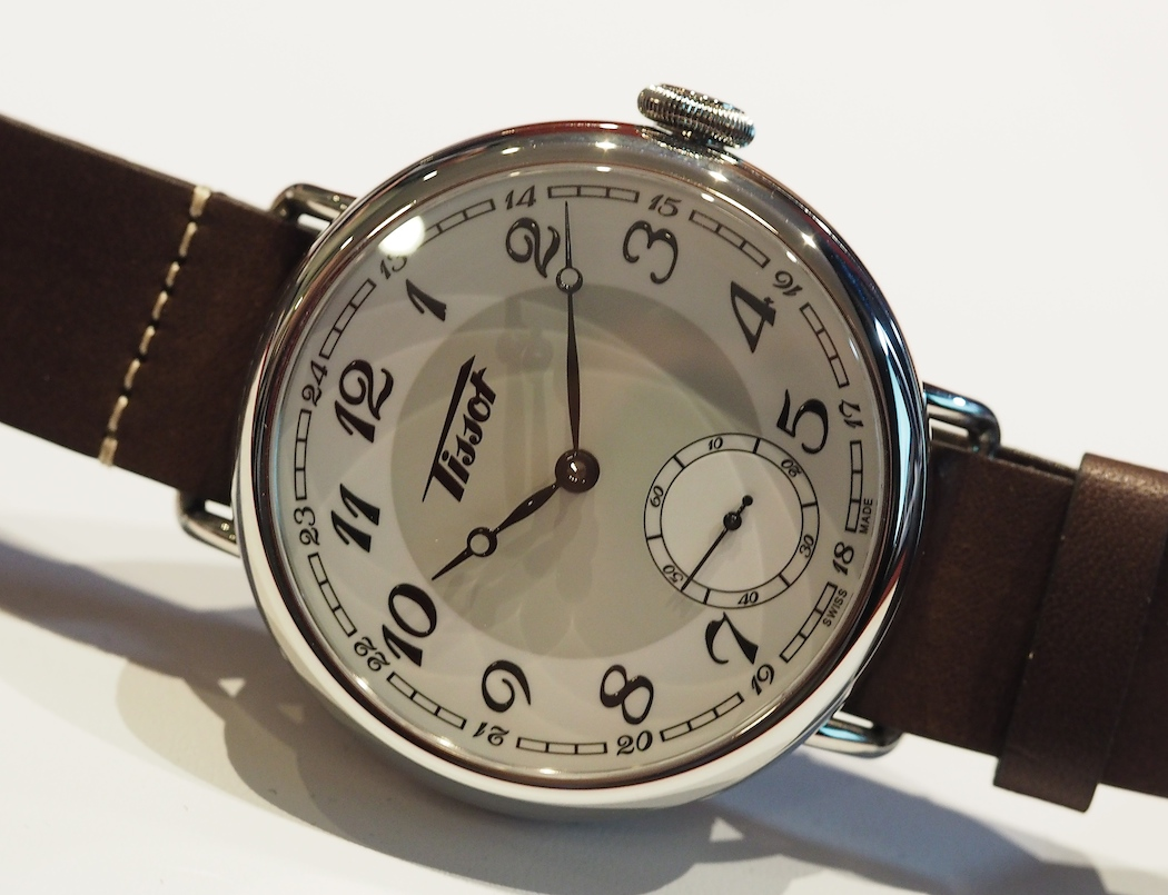 The Tissot 1936 Heritage sports some cool wire lugs