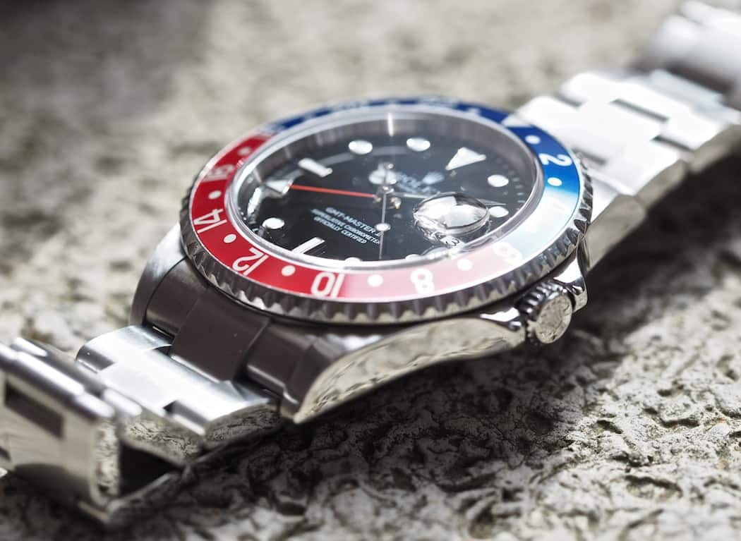 Rolex GMT-Master II 16710 features Solid End Links