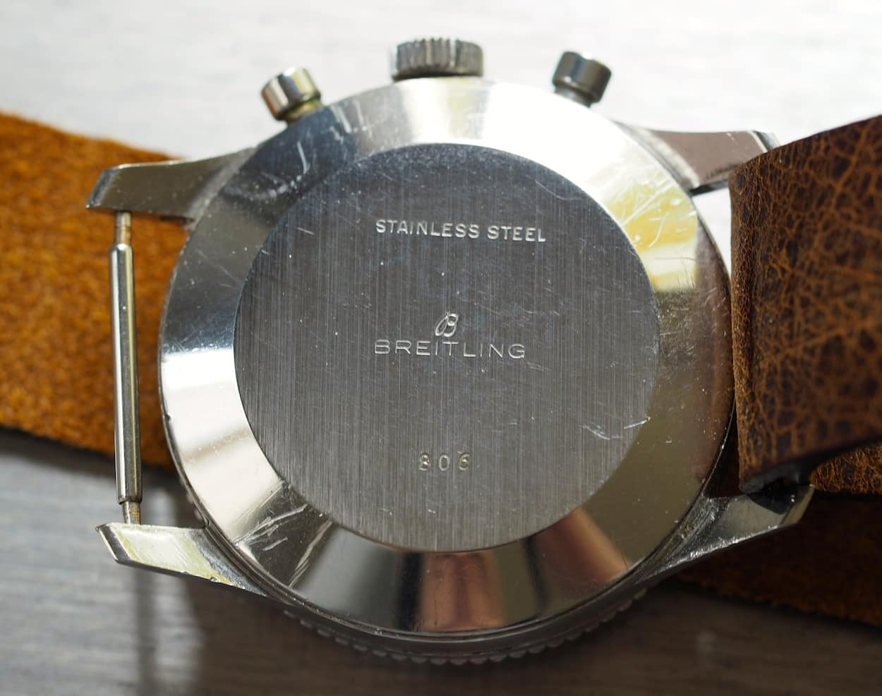 Breitling Navitimer 806 case back