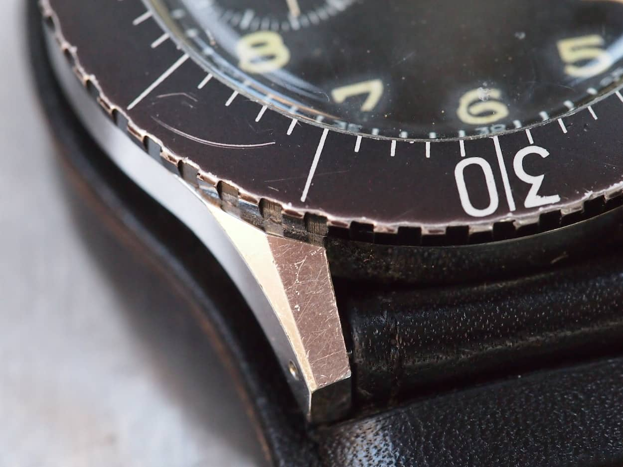 The chamfered lugs on the Leonidas are similar to many other chronographs from the era