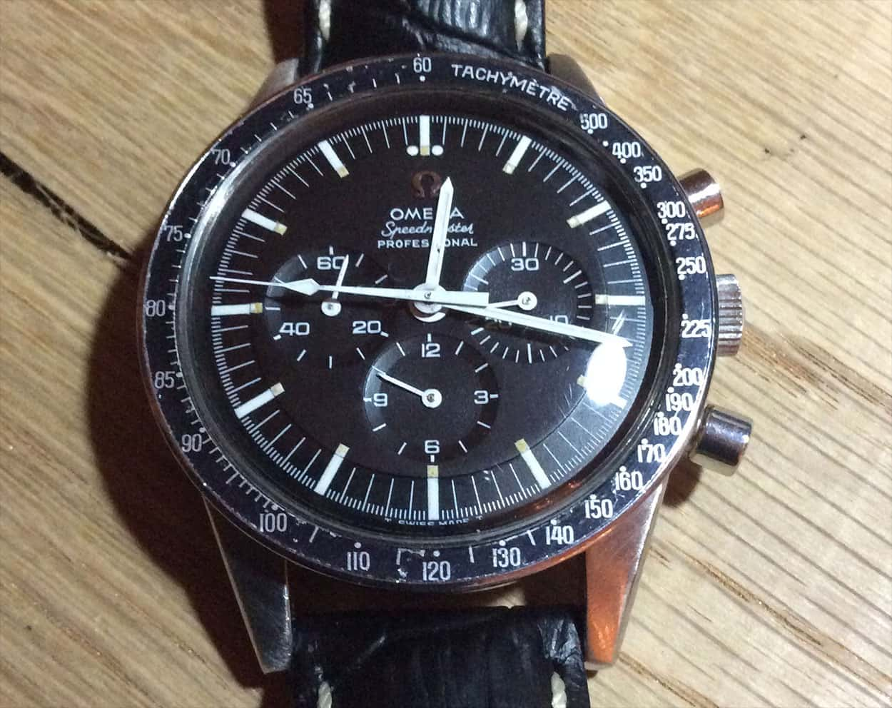 Another straight-lug 145.012 (105.003 case with later caseback?), but does have the 'Professional' text.